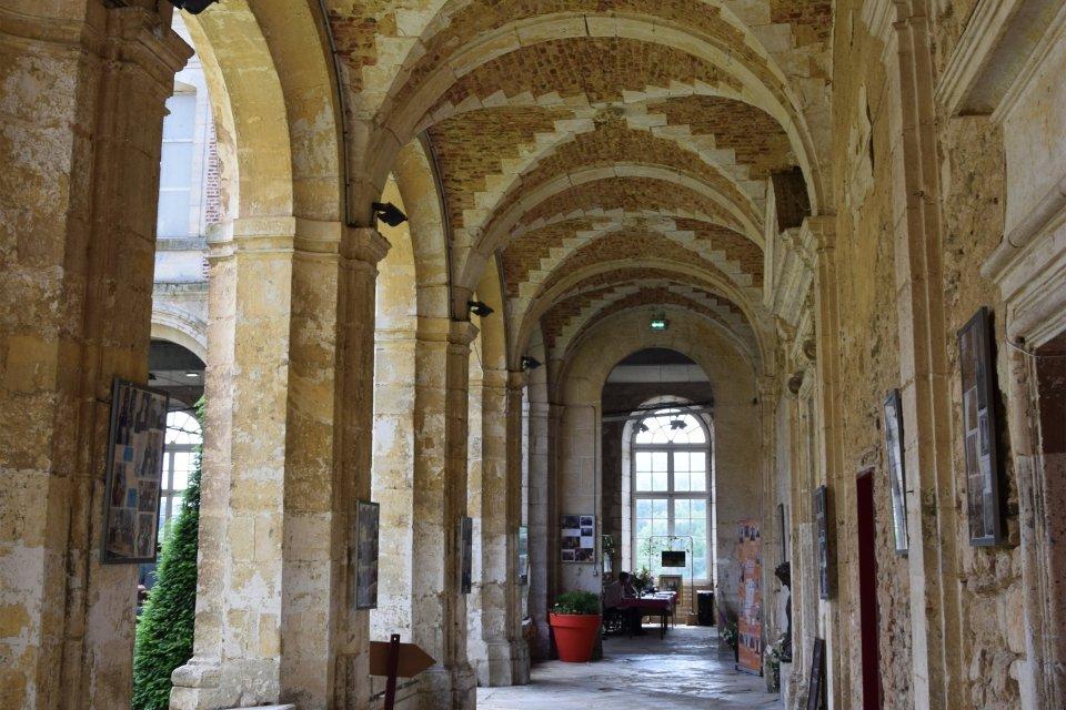 Abadía Saint Michel de Thiérache, Los monumentos, Picardía