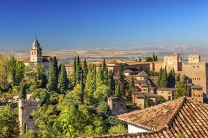 Sierra Nevada , La Alhambra, el corazón de Granada , España