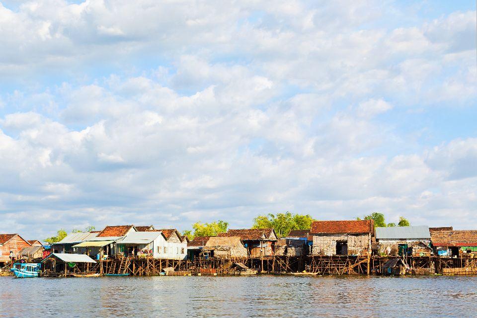 The Tonlé Sap Lake , A village on the lake of Tonlé Sap , Cambodia