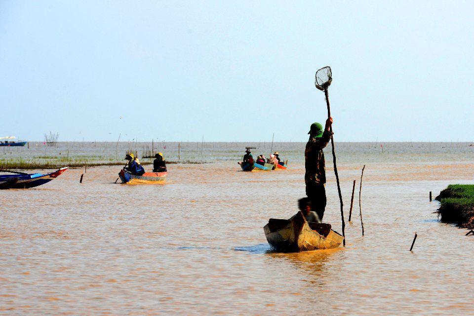 The Tonlé Sap Lake , Tonlé Sap fishing, Cambodia , Cambodia