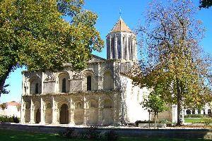 Le centre historique de Surgères , France