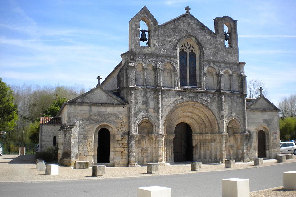 La ciudad de Pons , Francia