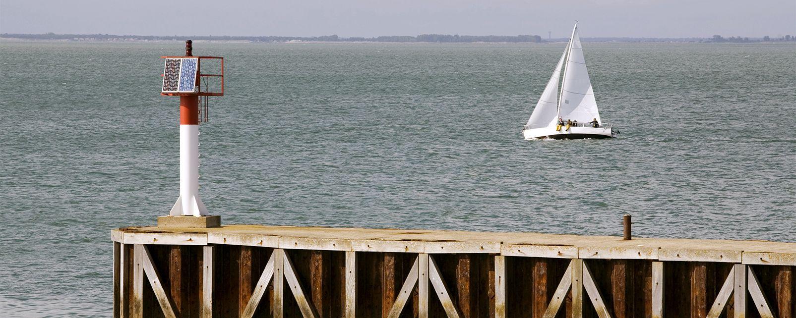 Sailing and sailing lessons , France