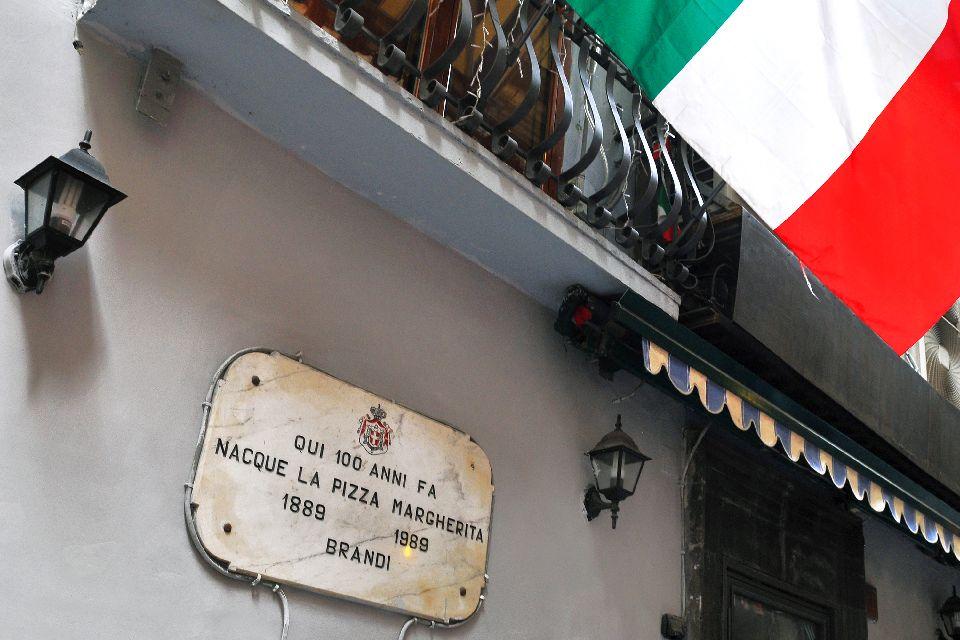 Pizza , Pizzeria Brandi , Italy