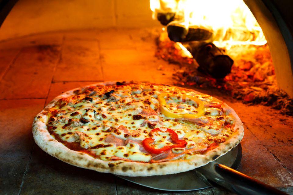 La mozzarella de bufflonne , Les pizzas à la mozzarella , Italie