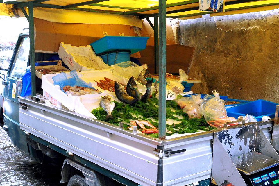 Terra e Mare , Il pescivendolo , Italia