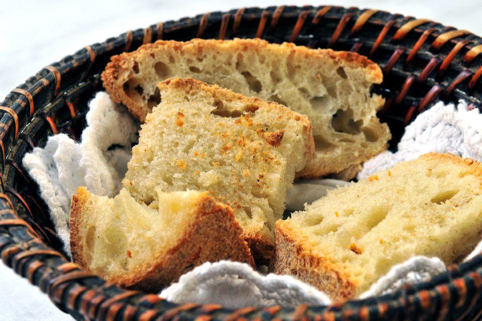 Terra e Mare , Il pane cafone , Italia