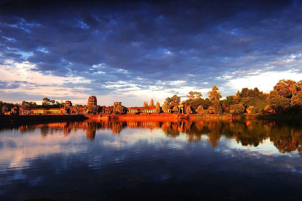Angkor , Buddha, Angkor , Cambodia