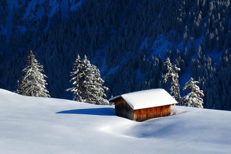 Le village de Gstaad , Le téléphérique du glacier 3000 , Suisse