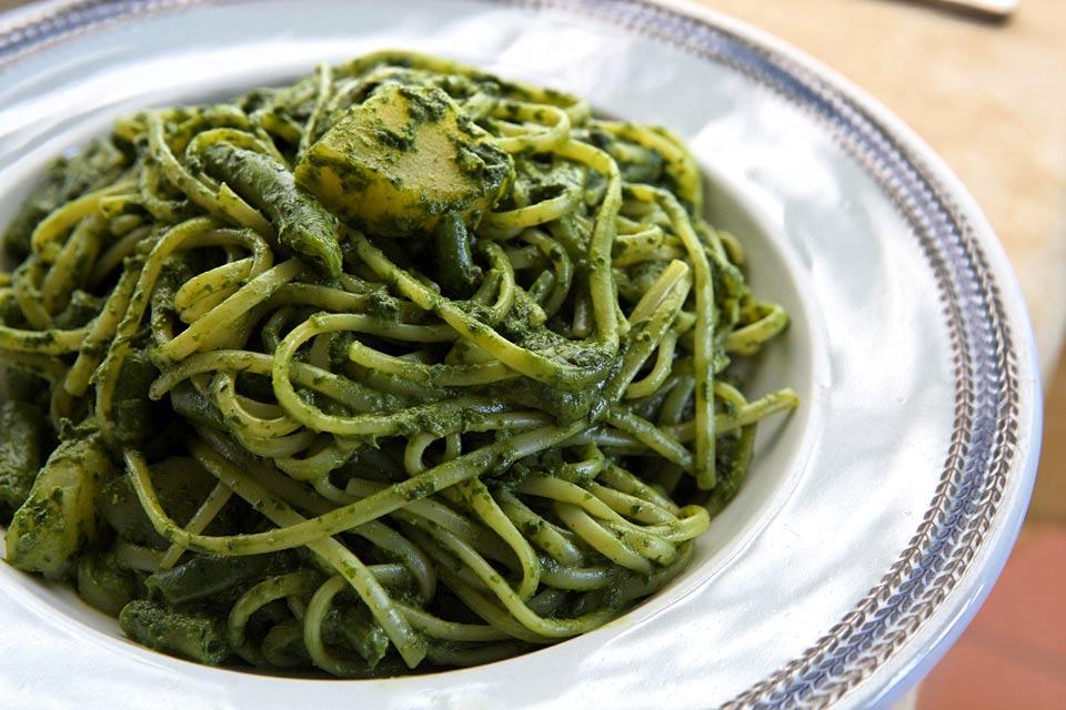 Pesto , Italien