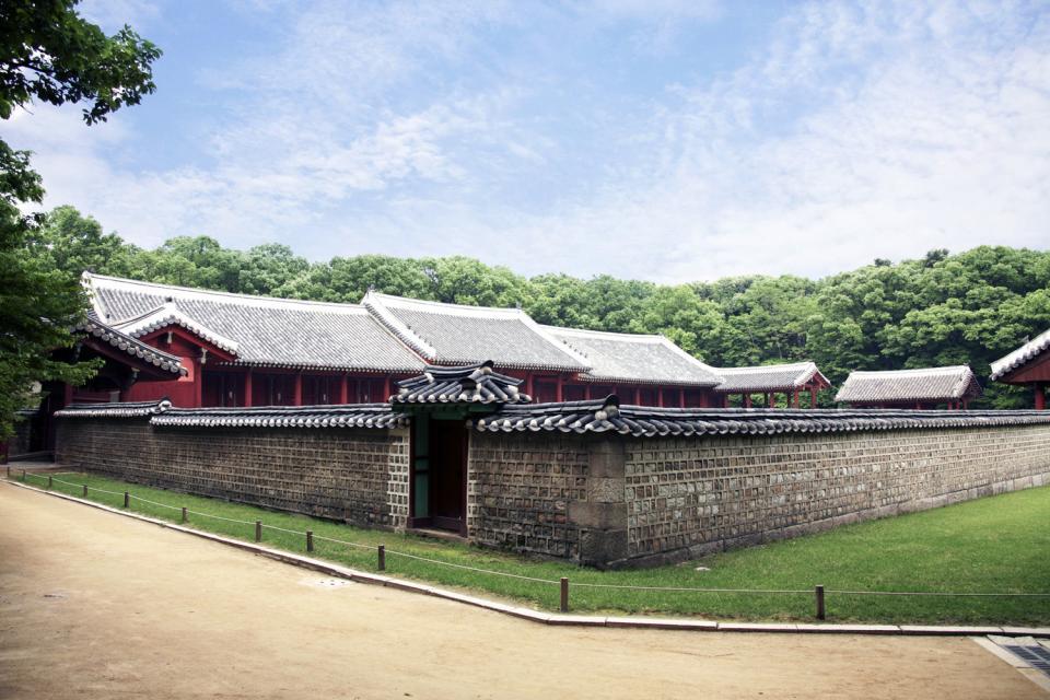 The royal sanctuary of Jongmyo , South Korea