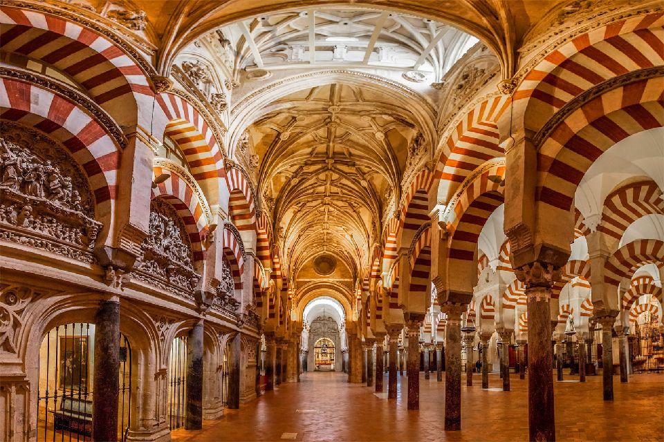 La catedral de Córdoba , Torre de La Catedral-Mezquita de Córdoba , España