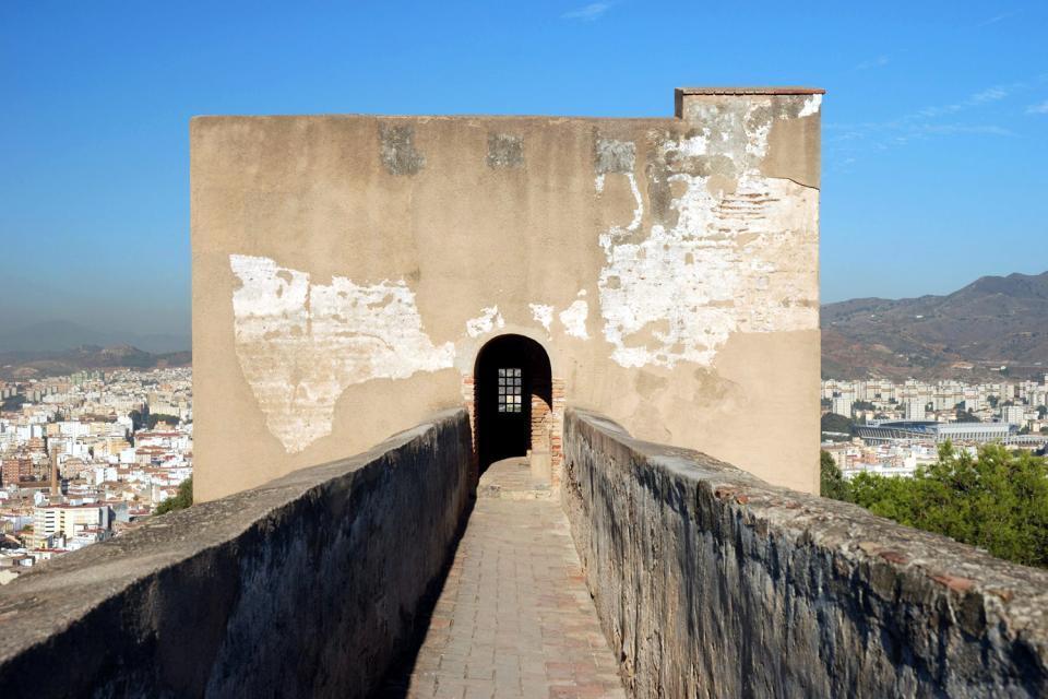 Le château de Gibralfaro, Les monuments, Une puissante forteresse, Andalousie