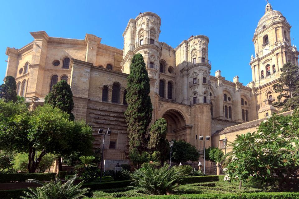 L`ESPAGNE – MOEURS ET PAYSAGES - avec les traditions catholiques de ce pays 15458