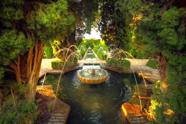 L'Alhambra de Grenade , La cité palatiale de Grenade , Espagne