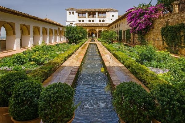 El palacio de Generalife , Las fuentes del palacio de Generalife , España