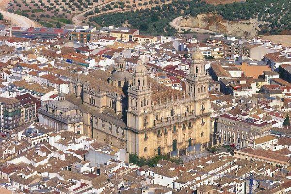 La catedral de Jaén , Puerta del Clero y Catedral de Jaén , España