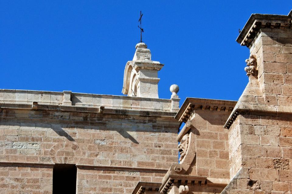 La cathédrale d'Alméria, Les monuments, Une forteresse de défense, Andalousie