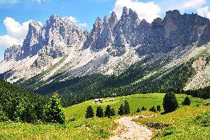 Las montañas , Excursión por la montaña , Italia