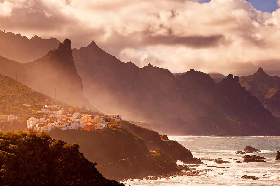 Teneriffa , Der Landpark von Anaga , Aufsehenerregende Steilwände , Spanien