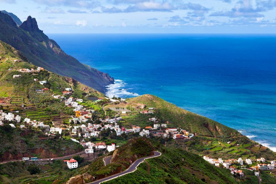 Teneriffa , Der Landpark von Anaga , Ein Dorf hoch oben auf dem Berg , Spanien
