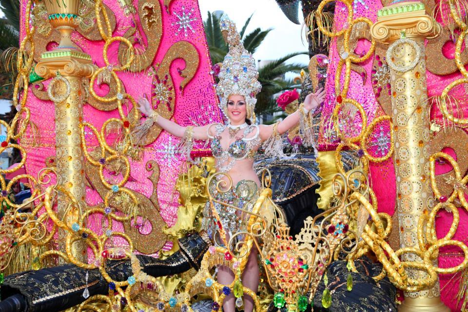 Los Carnavales , España