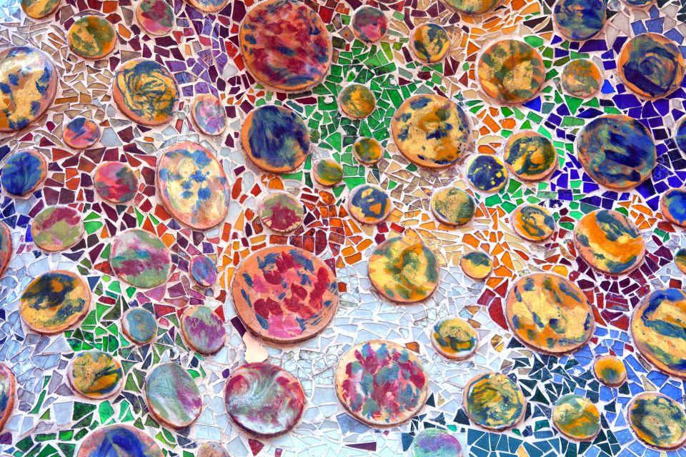La Casa Batllo , Mosaicos de color , España