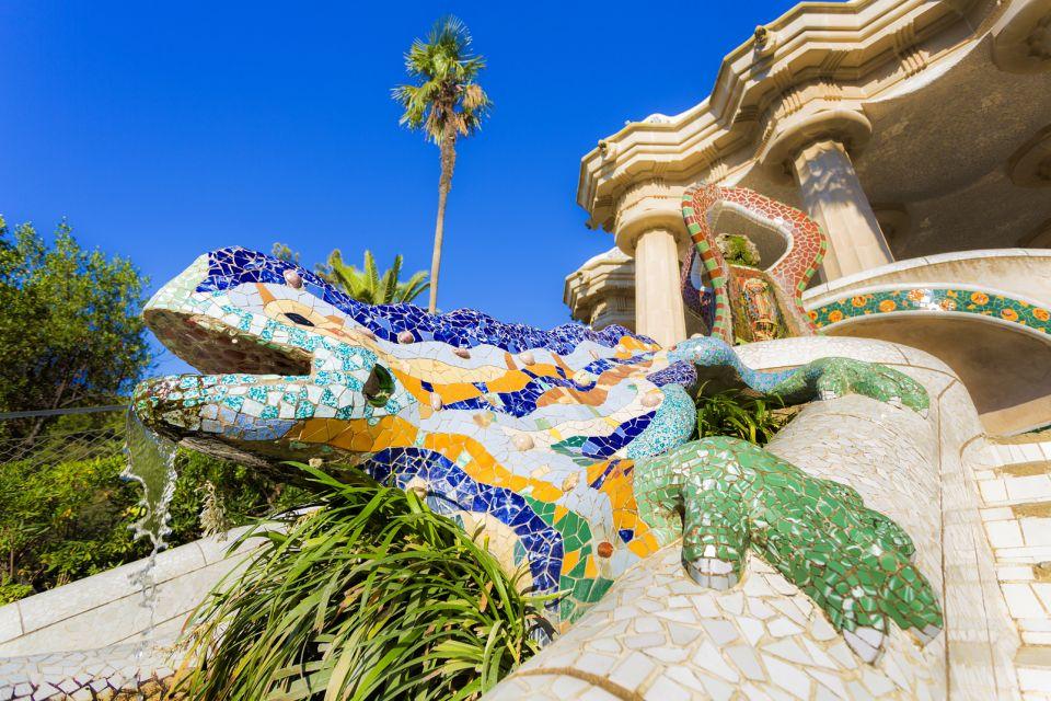 Un drago sorveglia l'entrata, Parc Güell, I monumenti, Barcellona, Catalogna