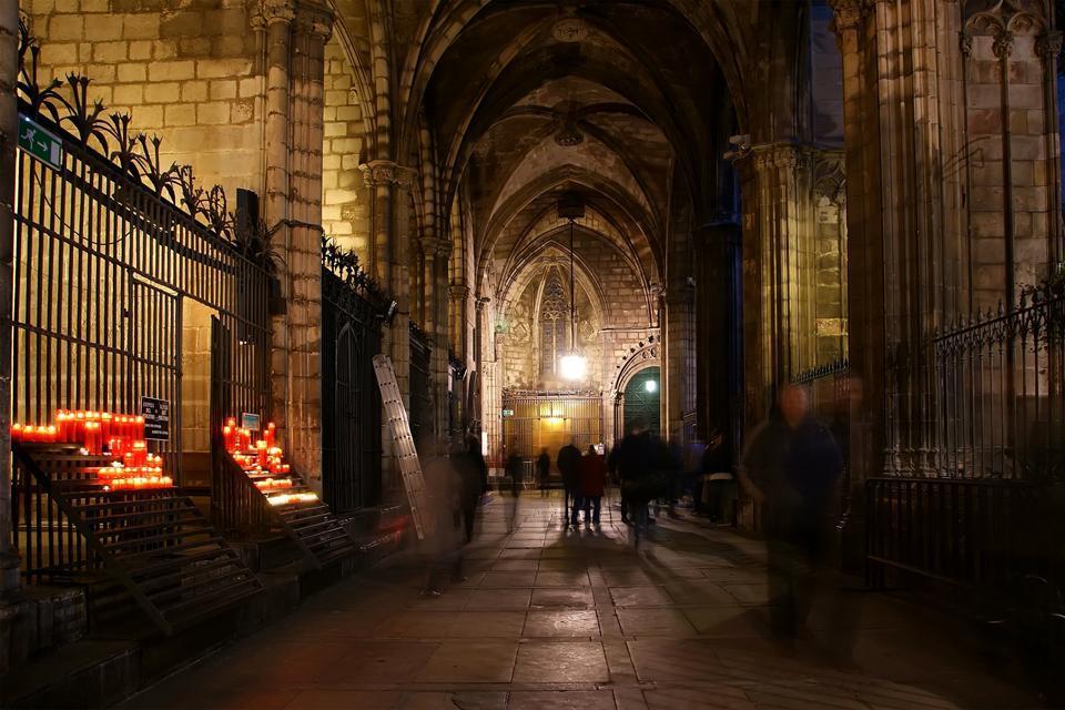 La catedral de barcelona catalu a espa a for Interior de la catedral de barcelona