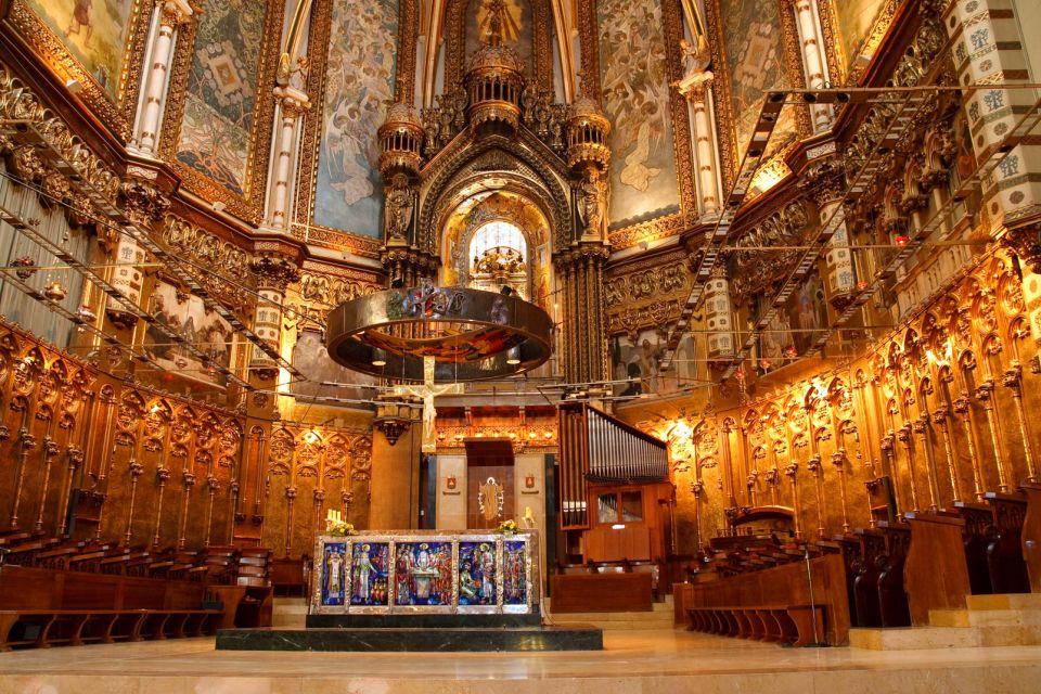 Le monastère de Montserrat , Un magnifique retable , Espagne