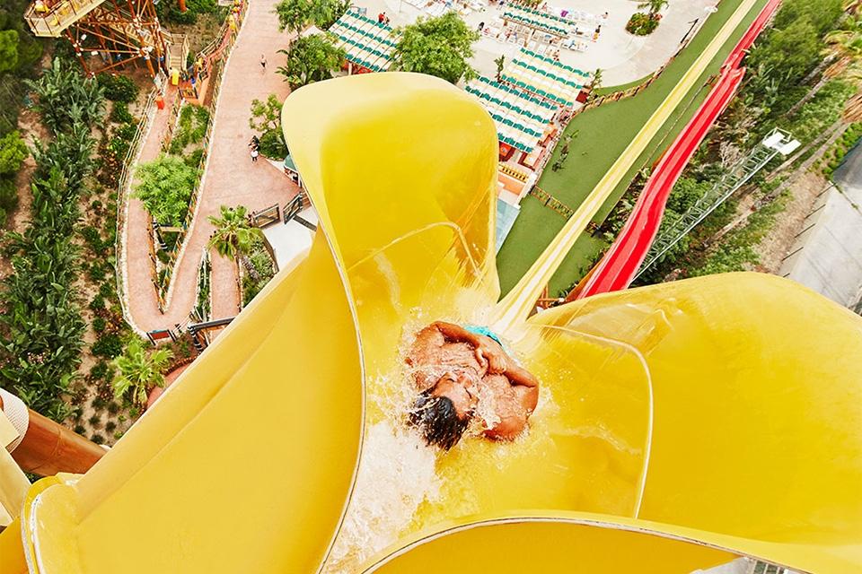 Le deuxième parc d'attraction d'Europe, PortAventura, Les activités et les loisirs, PortAventura, Catalogne