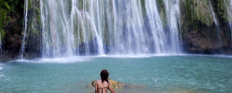 La cascada el lim n rep blica dominicana for Banar en plata precio