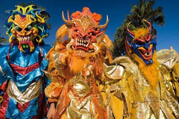 El carnaval , República Dominicana