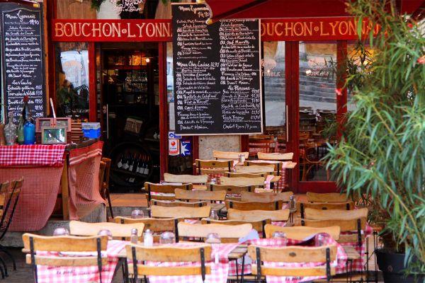 Die Mütter von Lyon (Les mères lyonnaises) , Frankreich