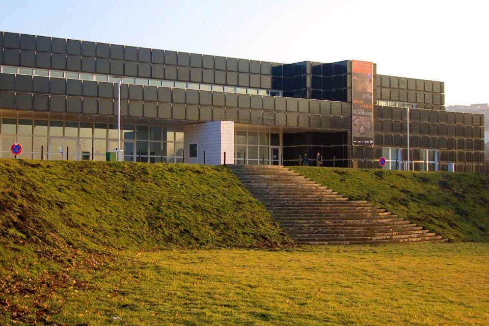 Musée d'Art moderne de Saint-Etienne , The façade and entrance to the museum , France