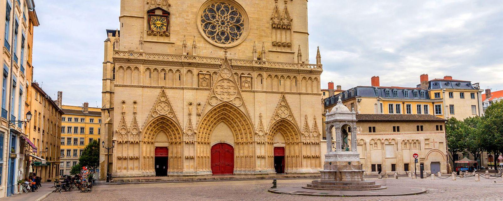 Die Kathedrale Saint-Jean-Baptiste von Lyon , Am Fuße des Hügels , Frankreich