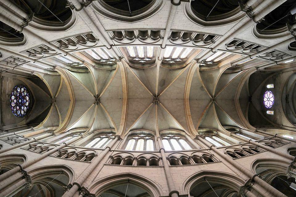 Primatiale Saint-Jean-Baptiste de Lyon , France