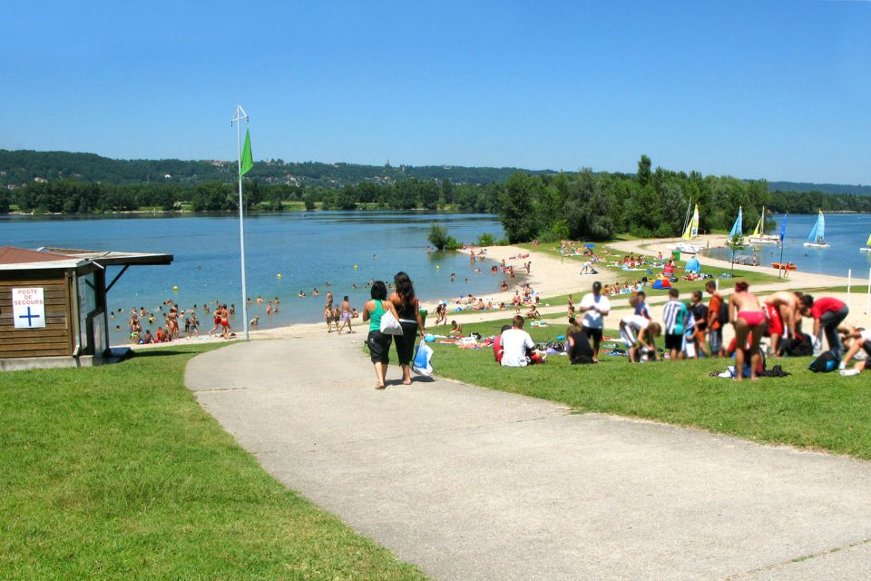Grand Parc Miribel-Jonage , Lakes with blue water , France