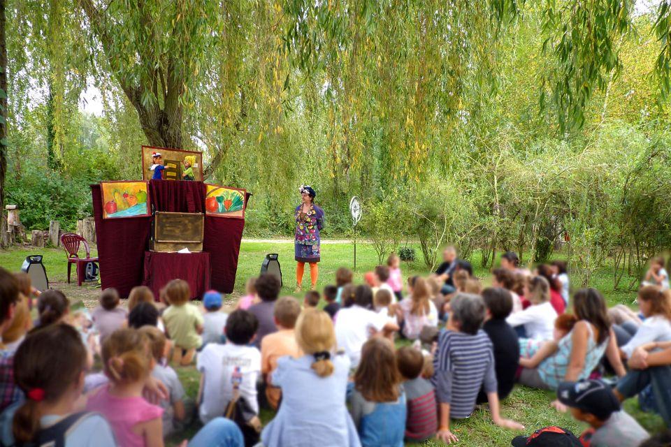 Grand Parc Miribel-Jonage , Théâtre de marionnettes , France