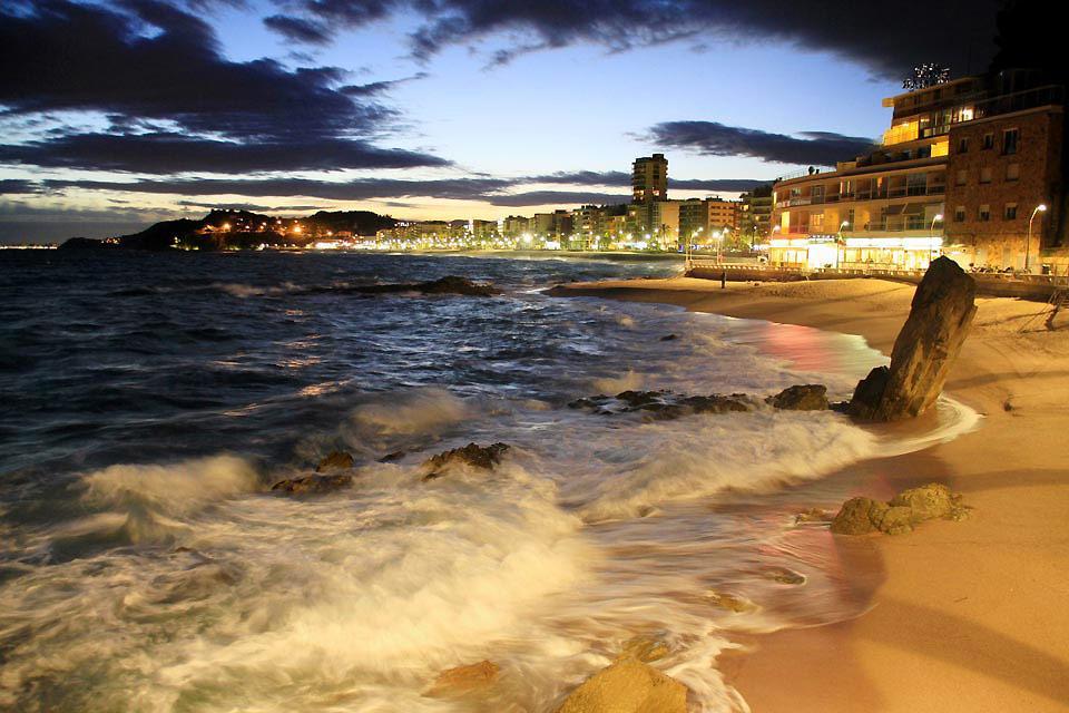 Prueba el Nordik walk en Lloret de Mar , España