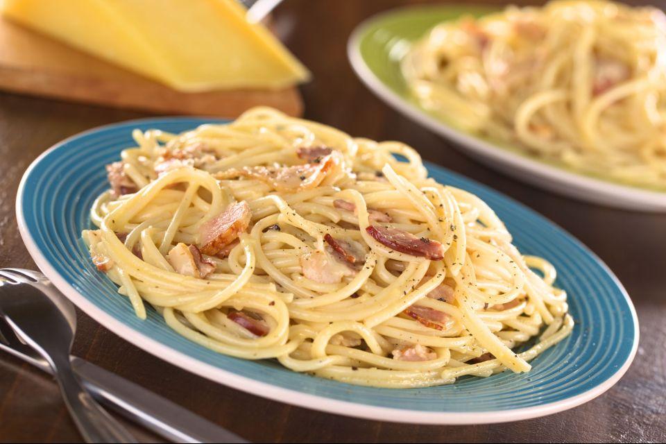 Il Parmigiano Reggiano , Pasta alla carbonara , Italia