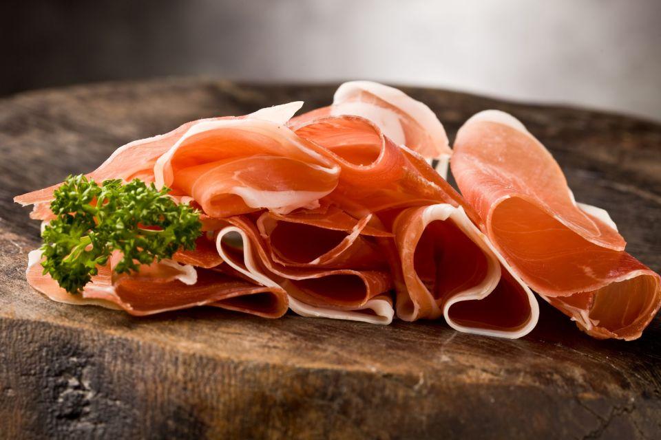 Parmaschinken , In Scheiben geschnittener Parmaschinken , Italien
