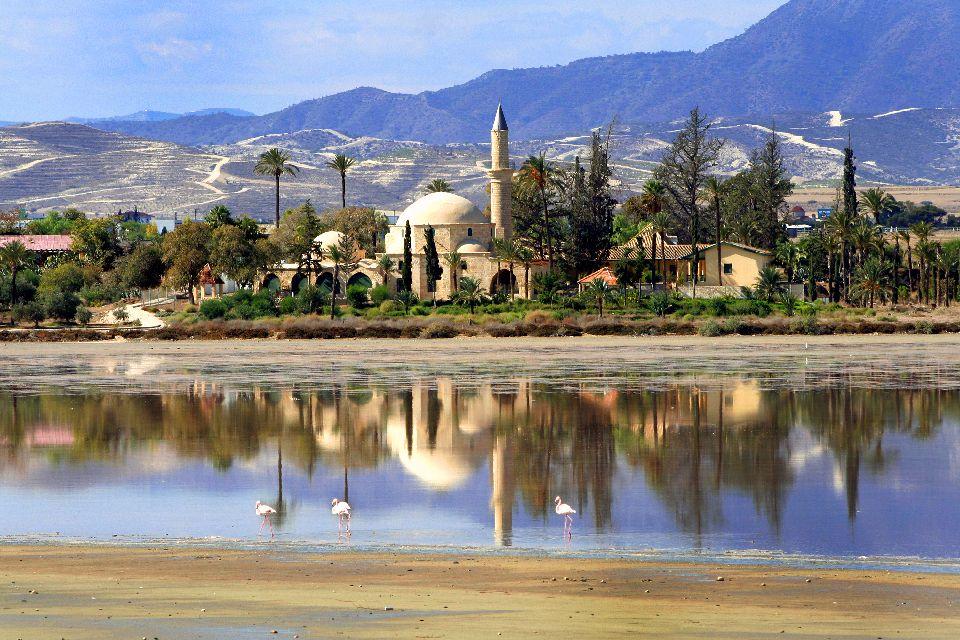 The mosque of Hala Sultan Tekke , La Hala Sultan Tekke mosque , Cyprus