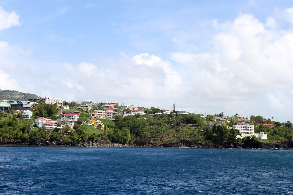 The Caribbean Coast , Saint-Vincent and The Grenadines