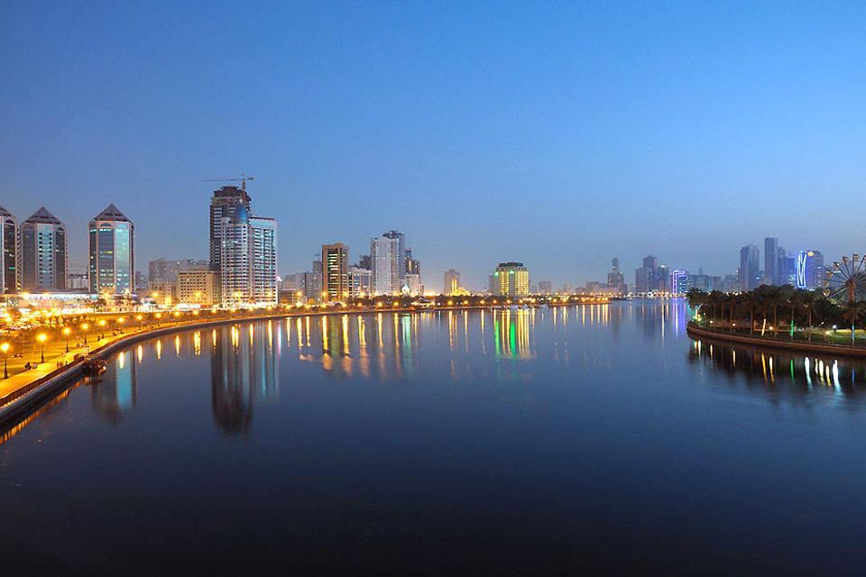 La côte de Sharjah , Sharjah et les arts , Dubaï et les Emirats