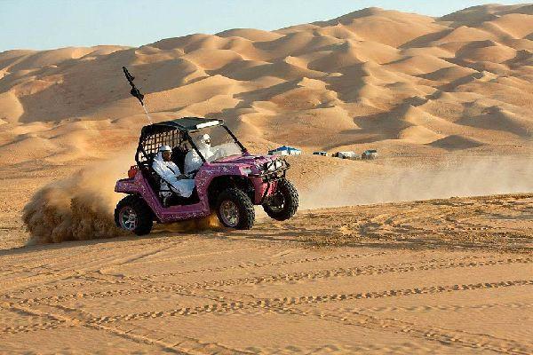 Sharjahs Aktivitäten , Der Hot-Spot des Dune-Bashing , Dubai und die Emirate