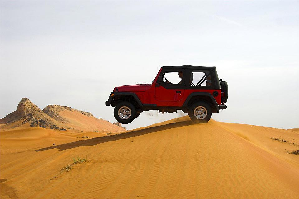 Sharjahs Aktivitäten , Dune bashing in Sharjah , United Arab Emirates