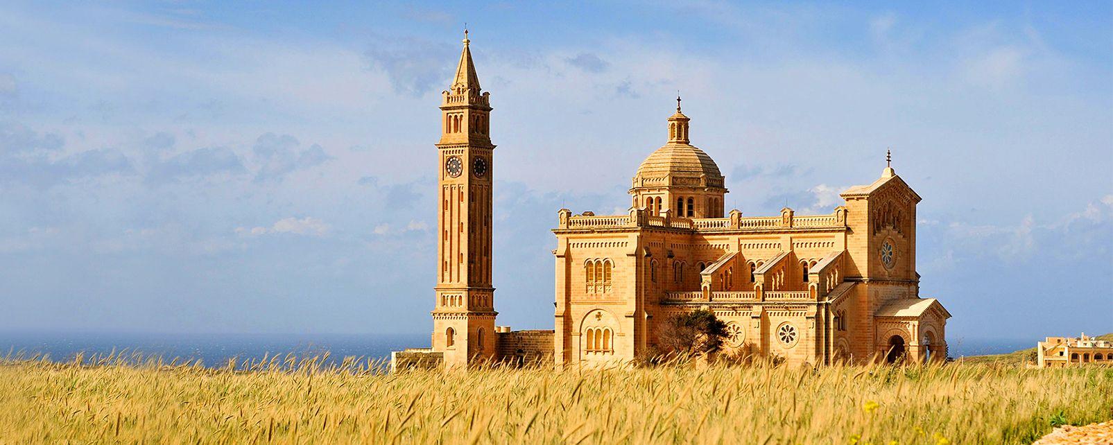 La basilique Ta'Pinu, Les monuments, Malte