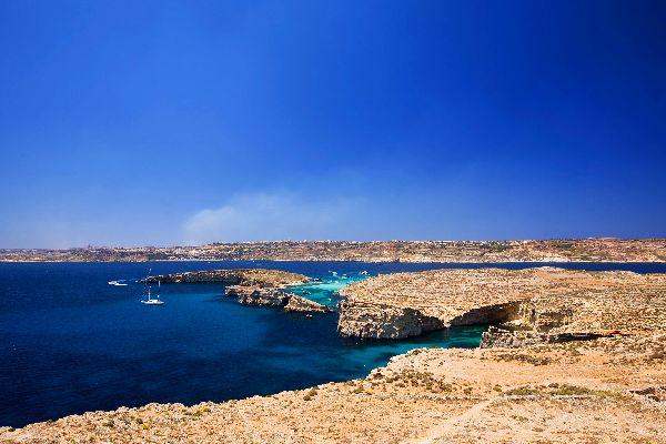 La isla de Comino , Malta