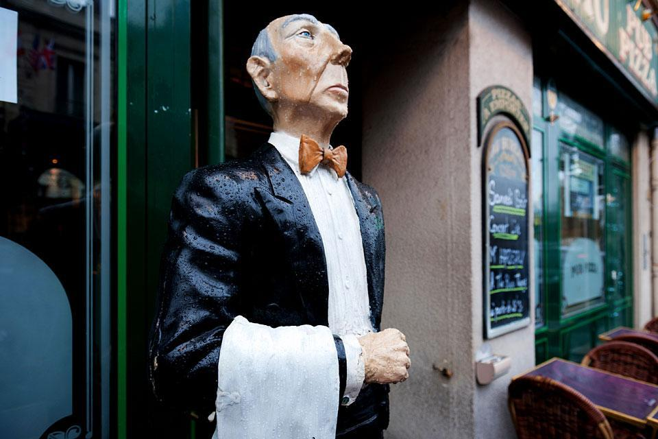 Au Bureau , France